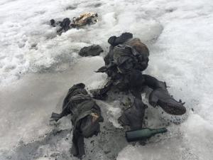 Los cuerpos perfectamente preservados yacieron cubiertos por la nieve durante 75 años